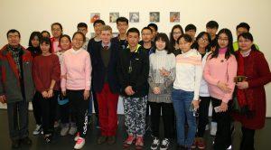 Unsere chinesichen Gäste im Kunstmuseum mit Herrn Kähler vom Kunstverein